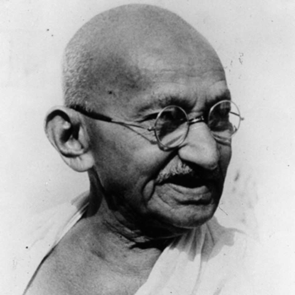 Gandhi supported kerala when flood came there